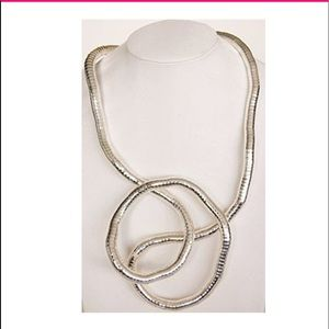 Jewelry - Bendable necklace!🌟🌟🌟